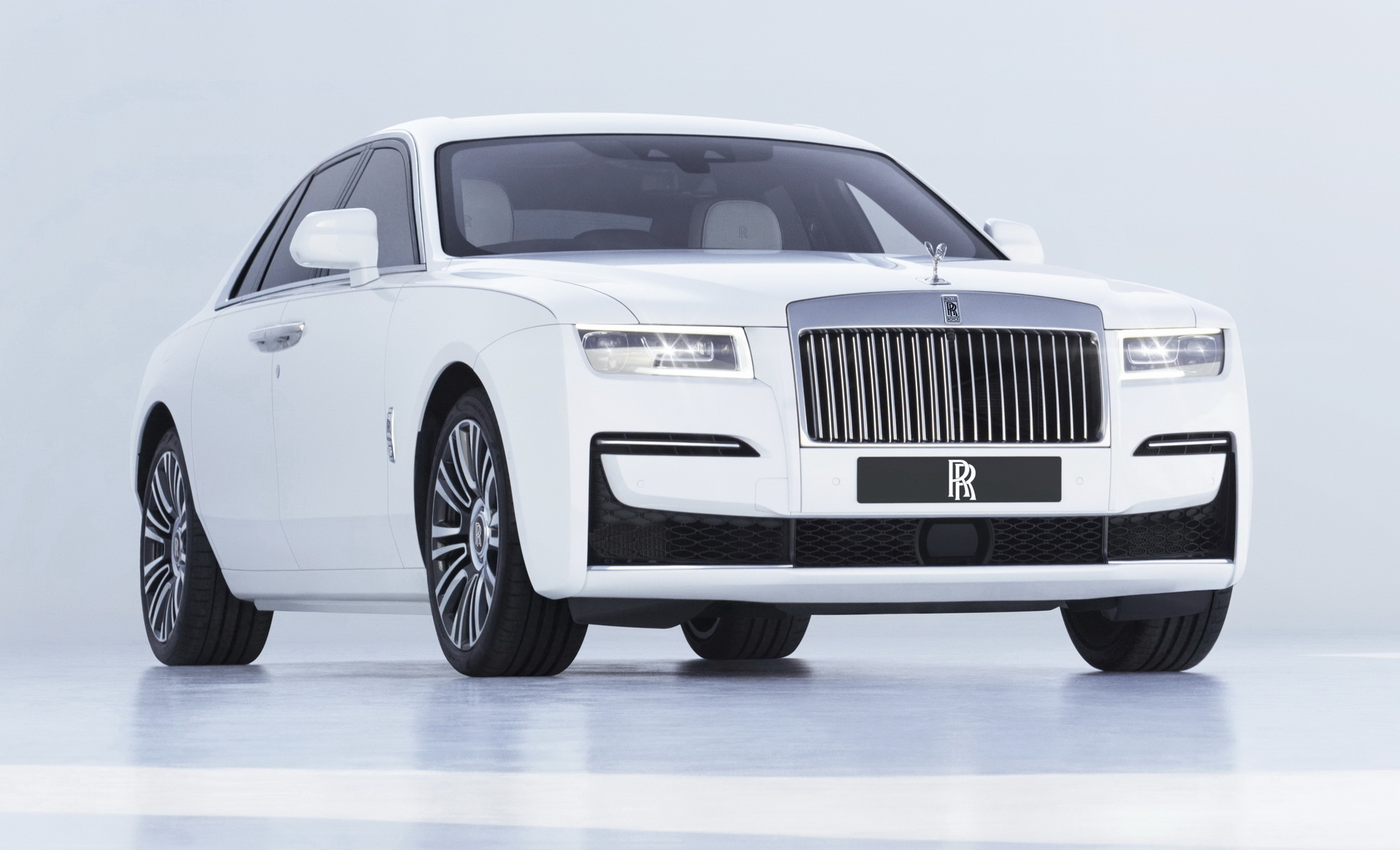 2021-Rolls-ROyce-Ghost-3
