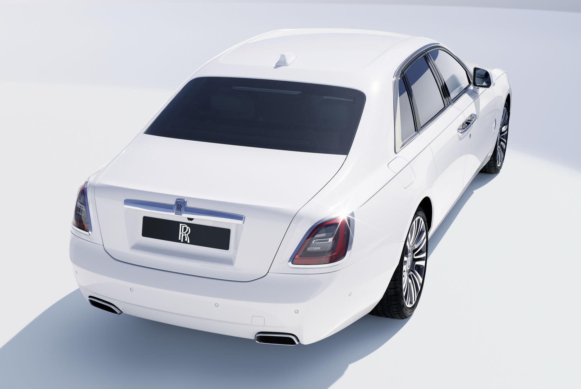 2021-Rolls-ROyce-Ghost-5