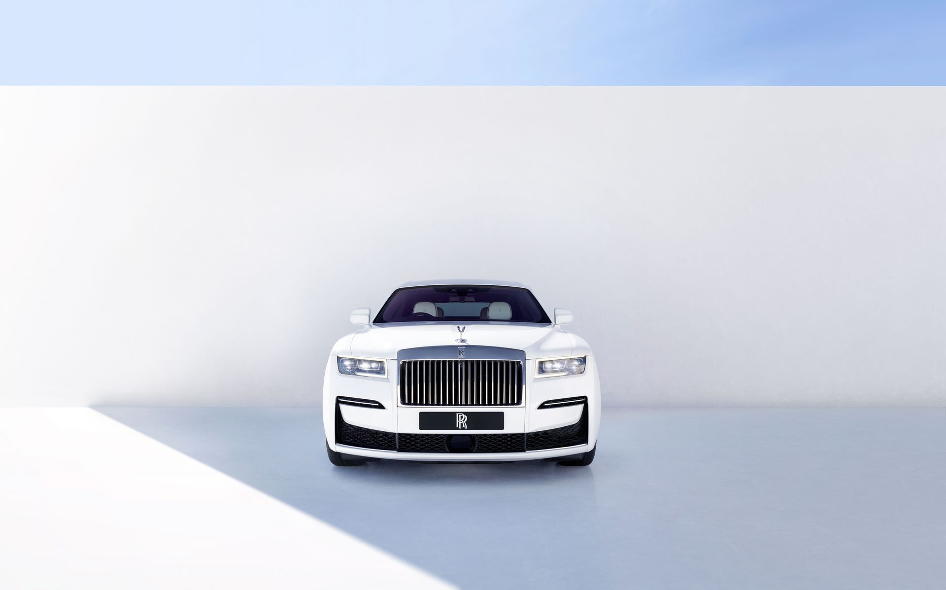 Rolls-Royce-Ghost-1