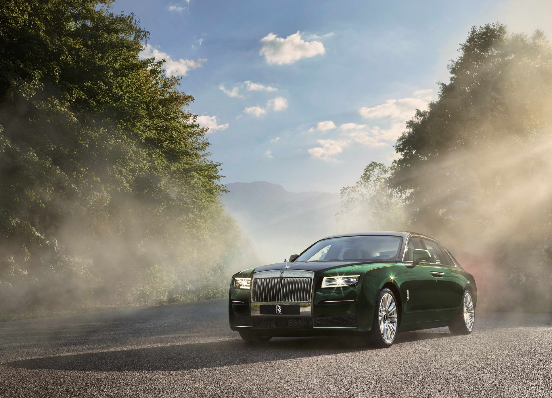 Rolls-Royce-Ghost-Extended-3