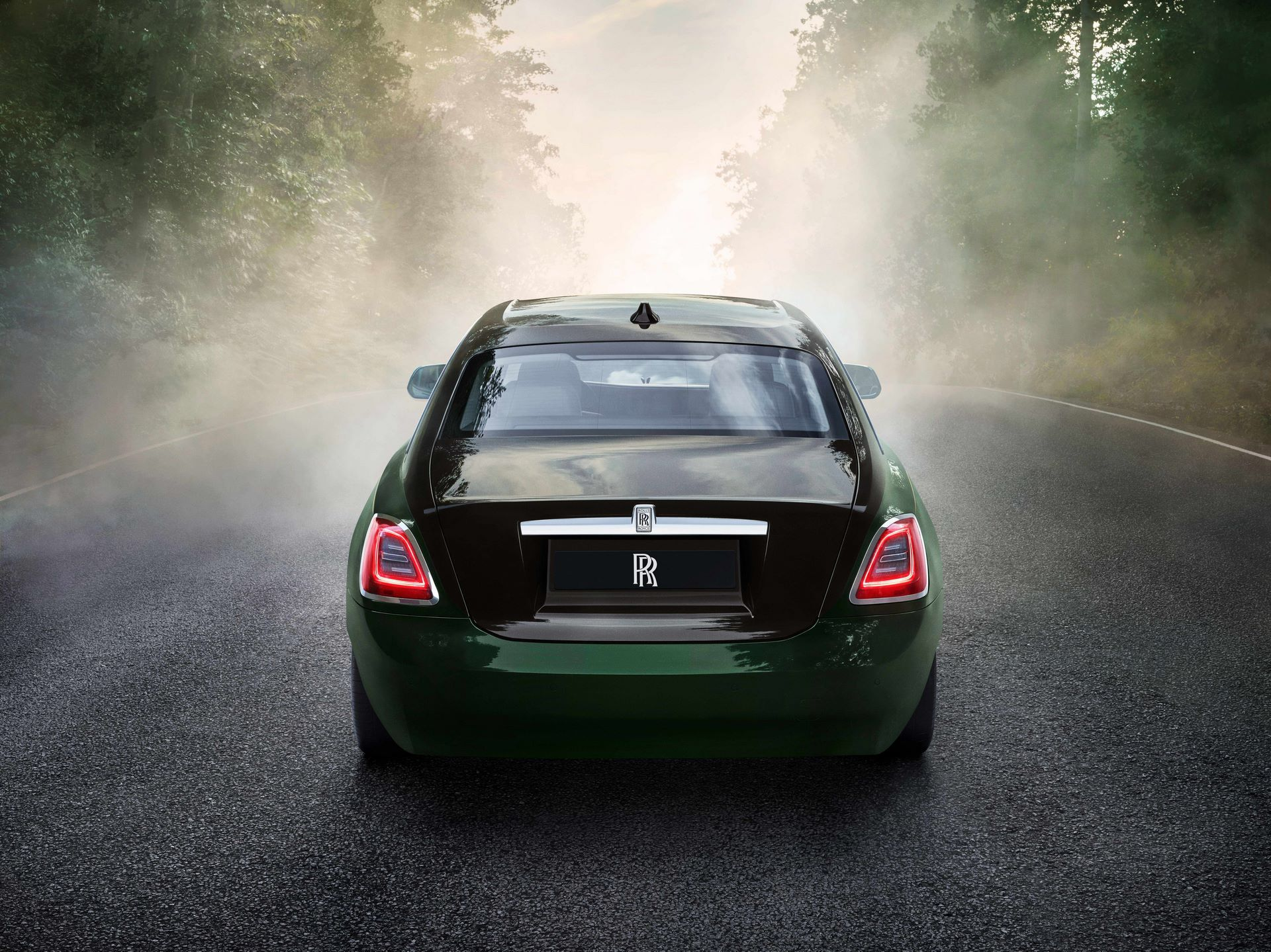 Rolls-Royce-Ghost-Extended-5