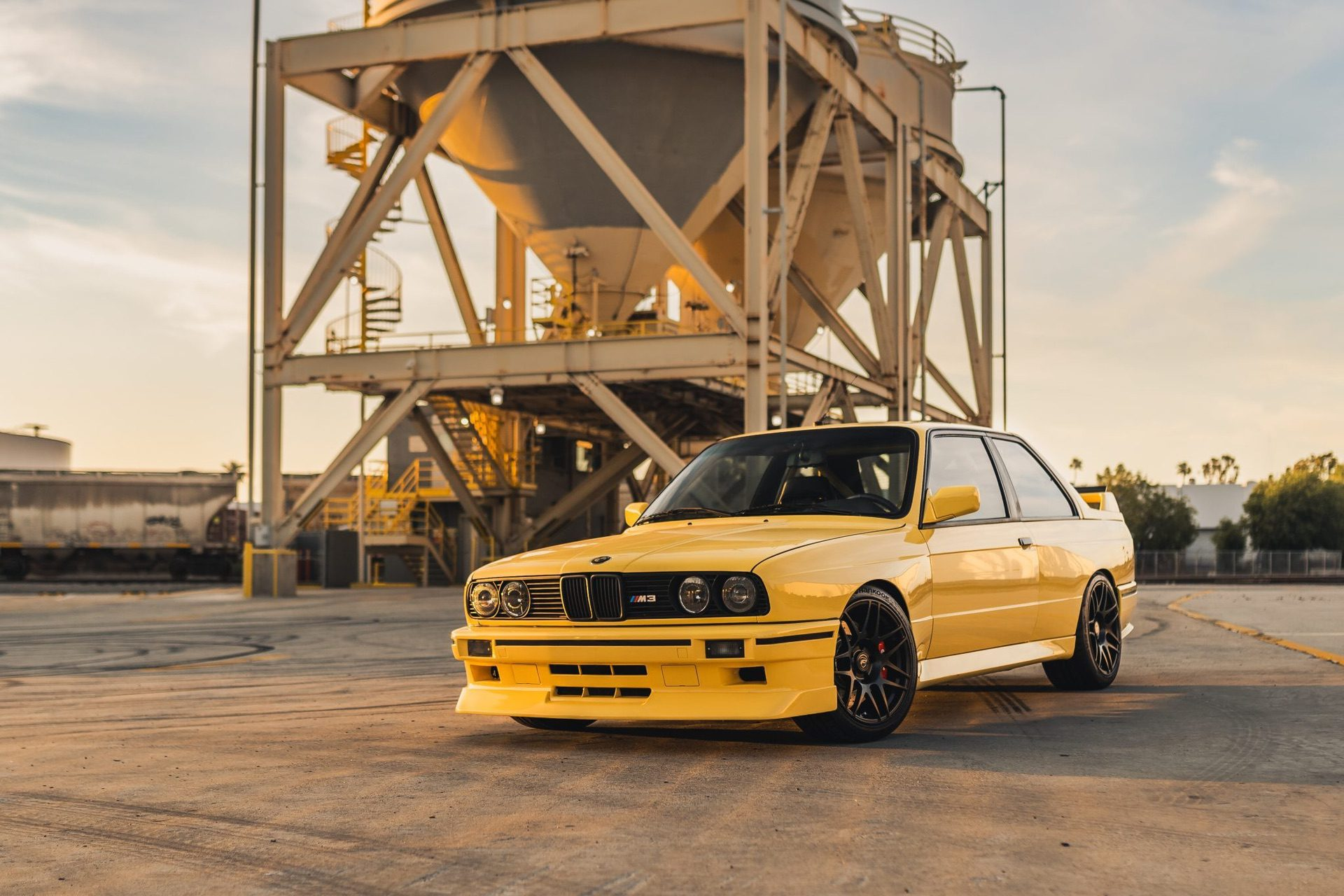 S50-Powered_1989_BMW_M3_0002