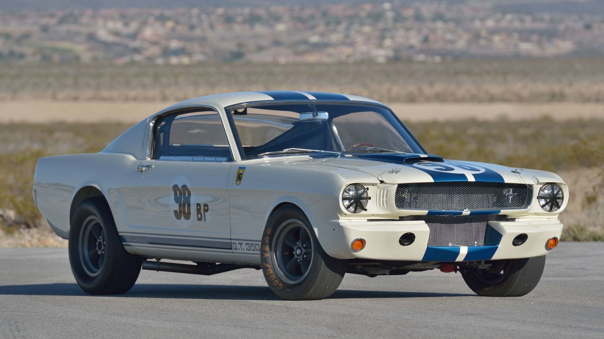 Shelby-GT350R-Prototype-1965-auction-13