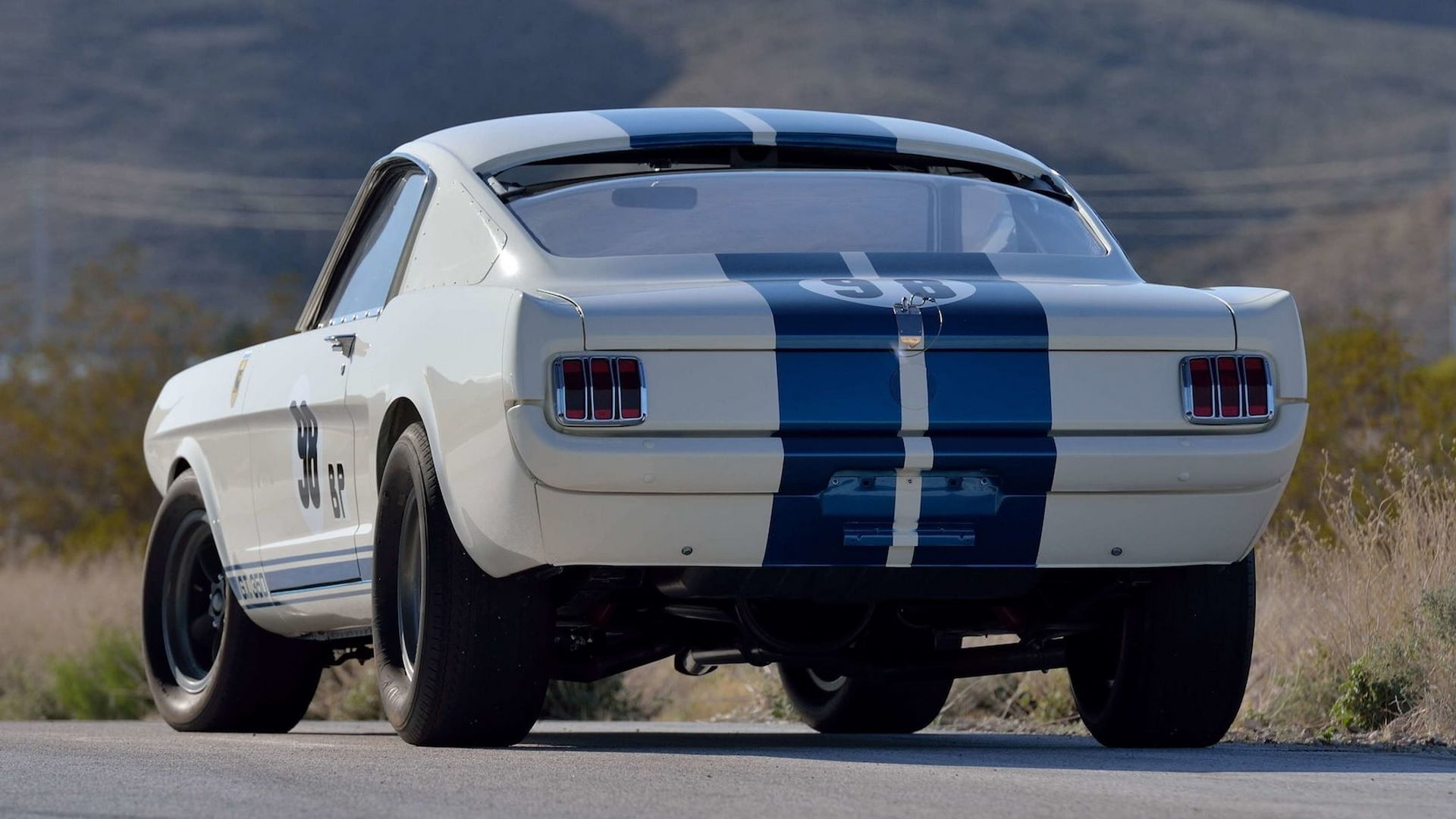 Shelby-GT350R-Prototype-1965-auction-23