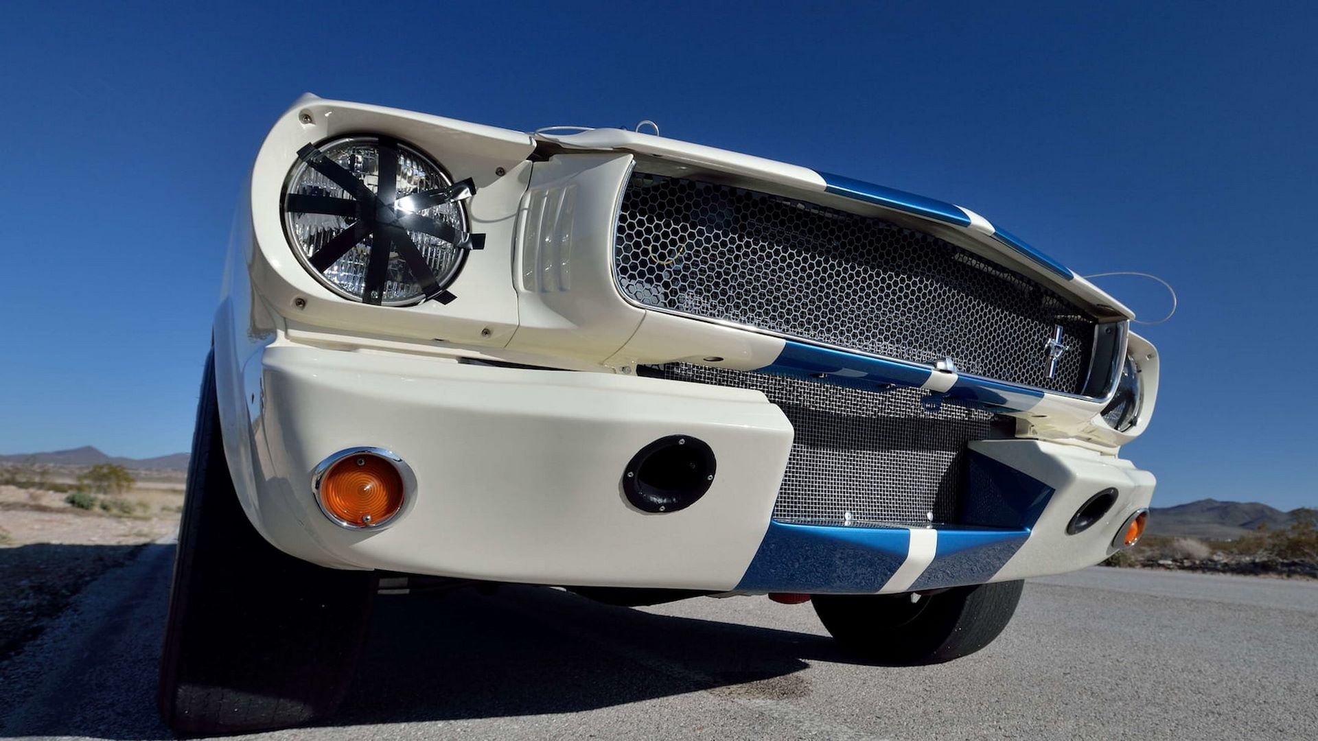 Shelby-GT350R-Prototype-1965-auction-24