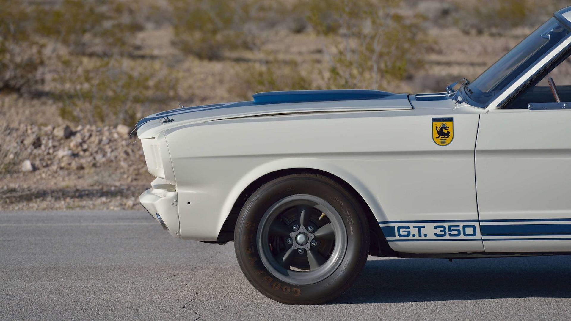 Shelby-GT350R-Prototype-1965-auction-29