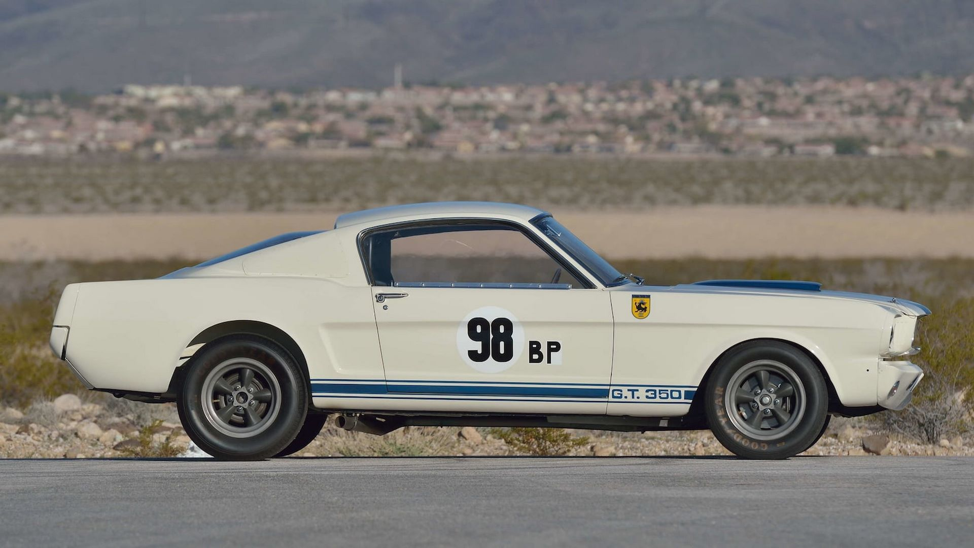 Shelby-GT350R-Prototype-1965-auction-3