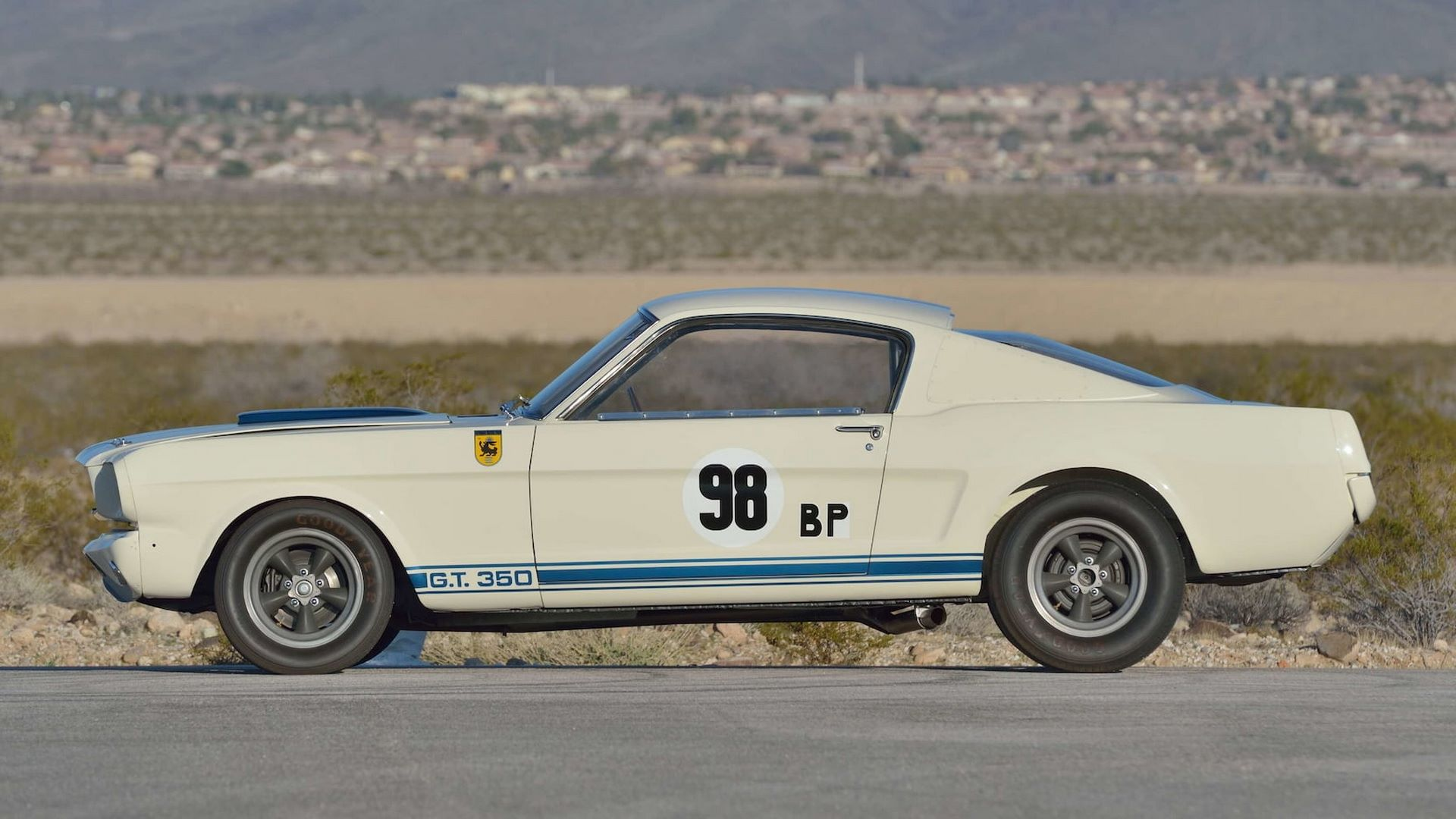 Shelby-GT350R-Prototype-1965-auction-9