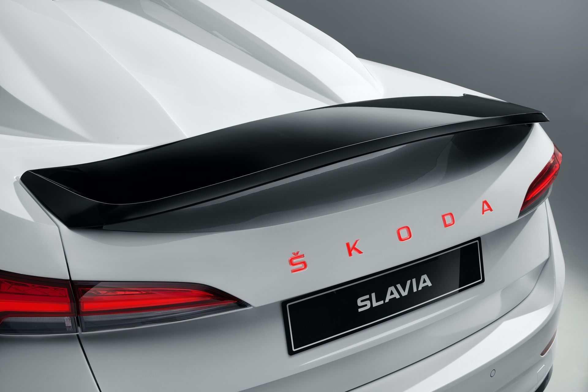 Skoda_Slavia_0004