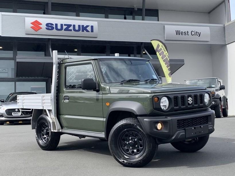 Suzuki-Jimny-pickup-truck-1