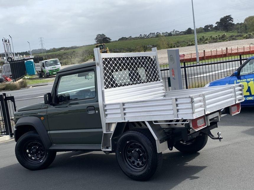 Suzuki-Jimny-pickup-truck-3