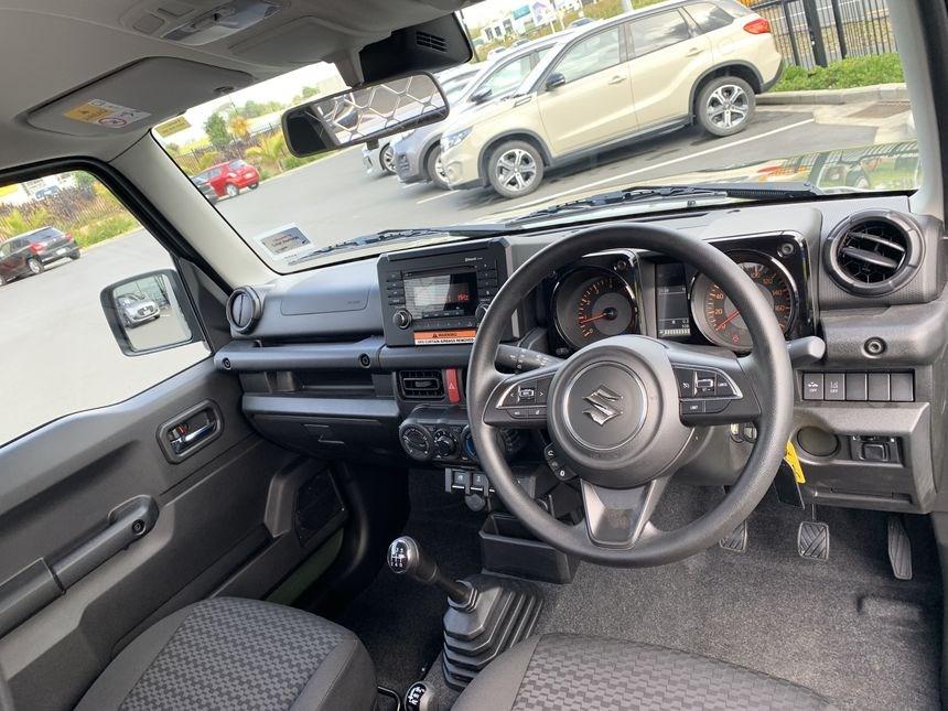 Suzuki-Jimny-pickup-truck-6
