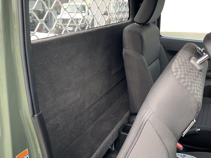 Suzuki-Jimny-pickup-truck-7