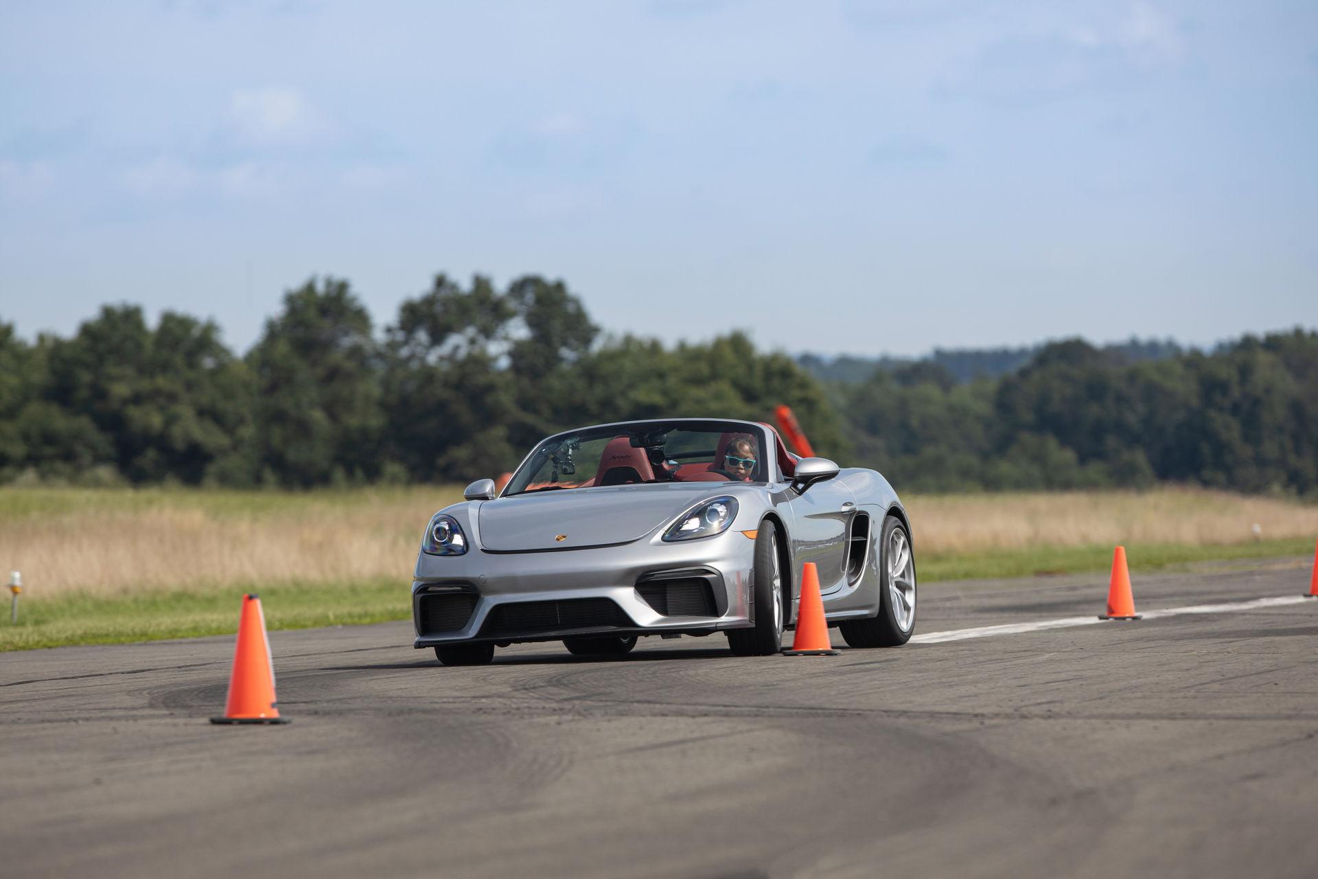 Teen-Driver-Slalom-Record-Porsche-718-Spyder-2