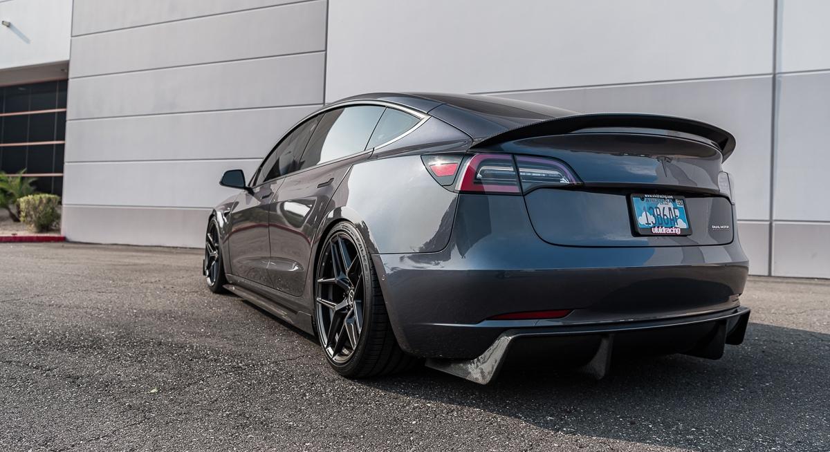 Tesla-Model-3-Vivid-Racing-18