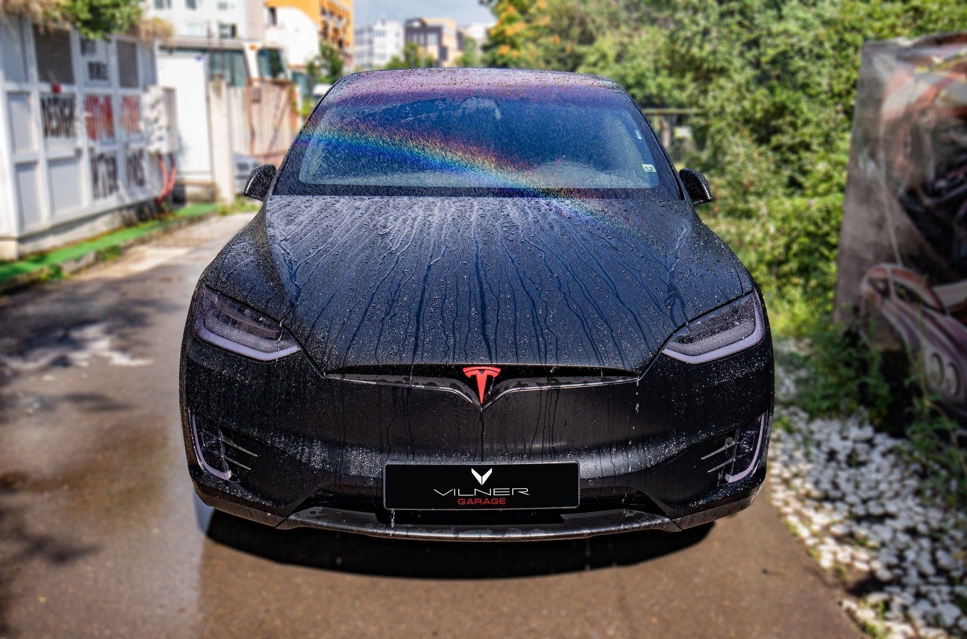 Tesla_Model_X_by_Vilner_0000