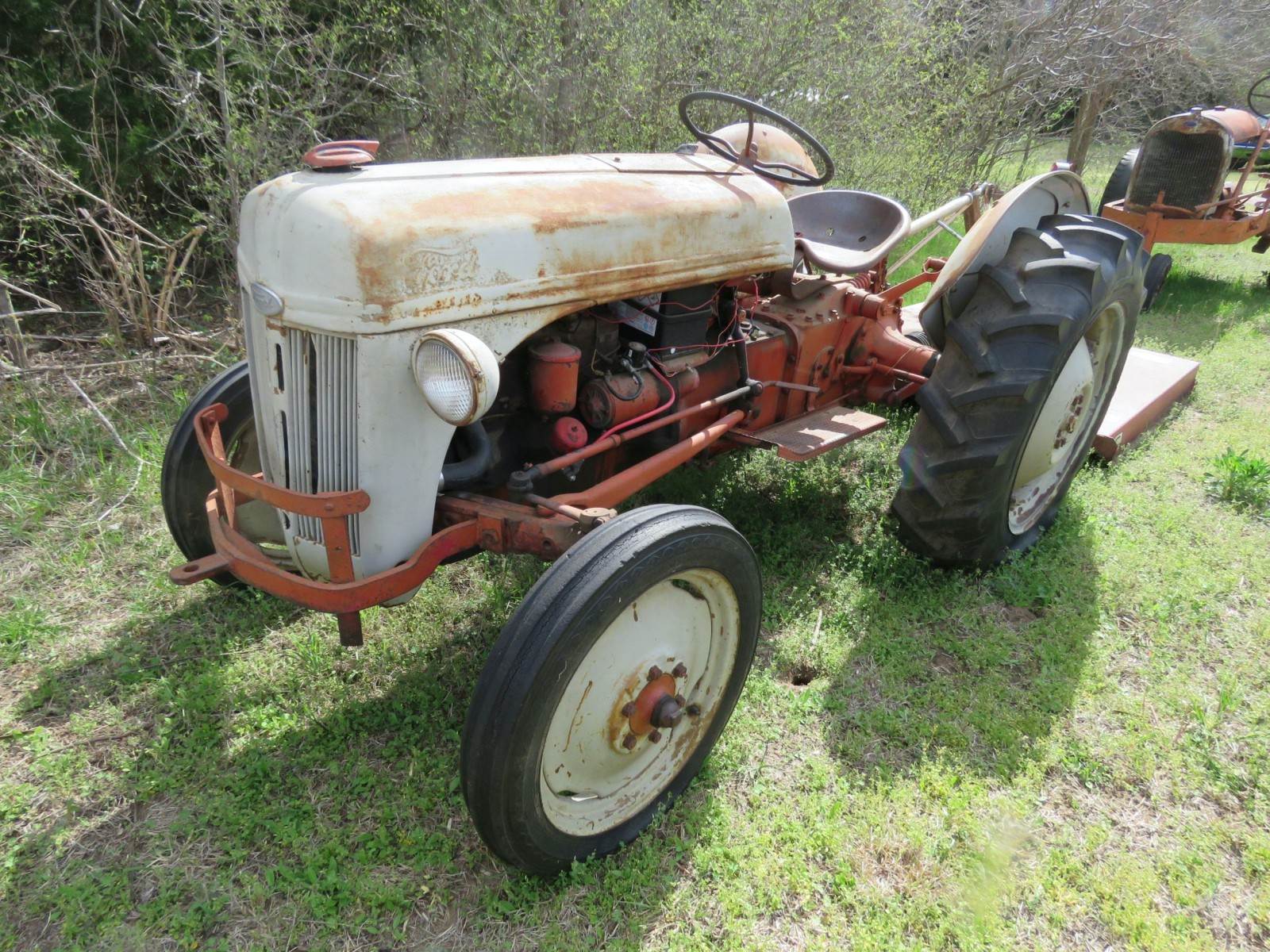 bob-regehr-collection-ford-tractor