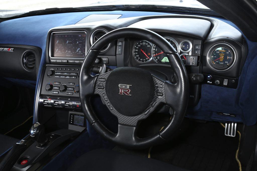 Top-Secret-Nissan-GT-R-R32-R35-4