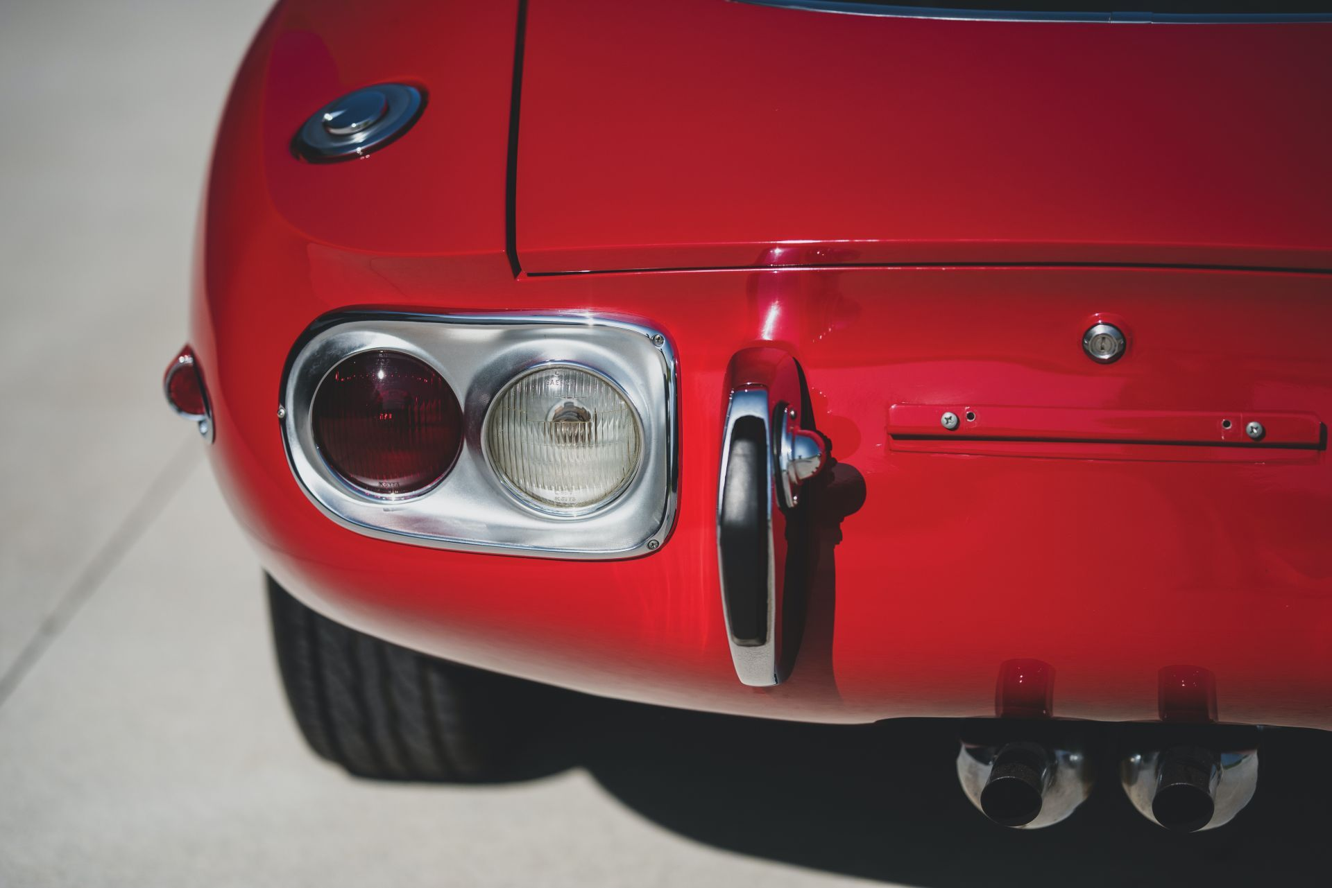 Toyota-2000GT-1967-auction-19