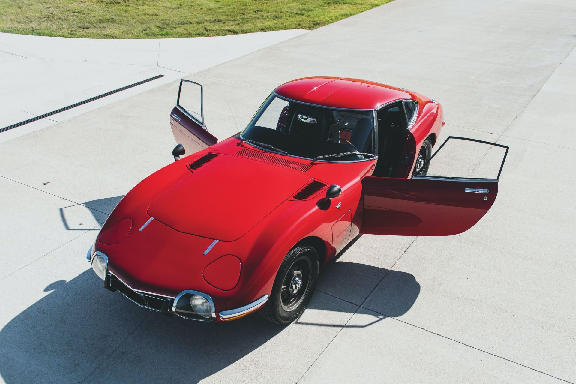 Toyota-2000GT-1967-auction-22