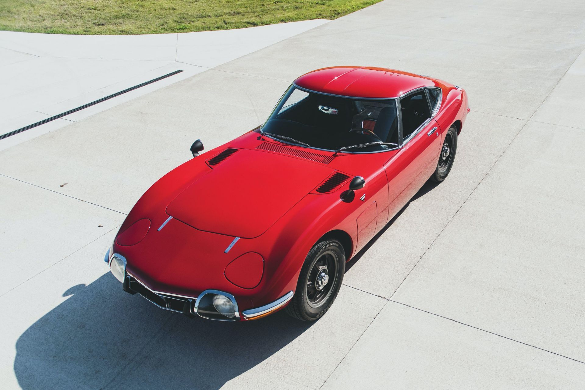 Toyota-2000GT-1967-auction-23