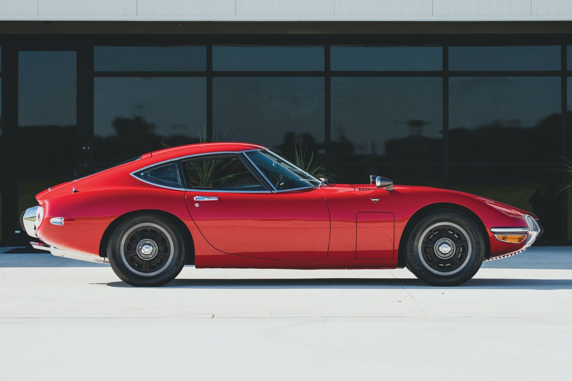 Toyota-2000GT-1967-auction-5