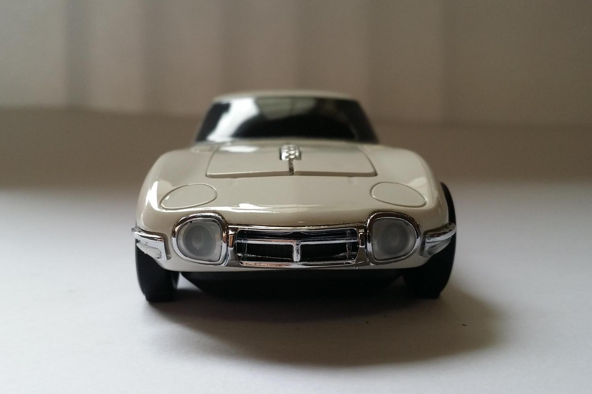 Toyota-2000GT-Mouse-15