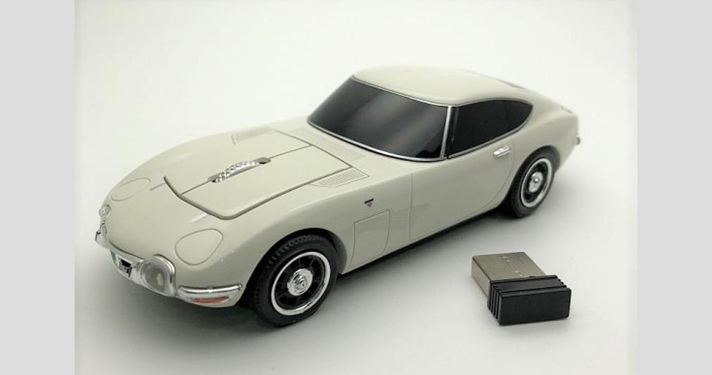 Toyota-2000GT-Mouse-2