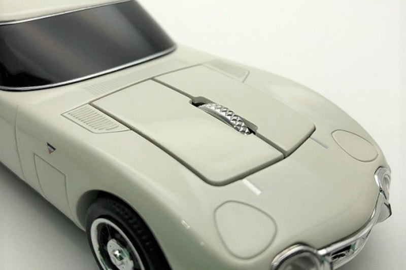 Toyota-2000GT-Mouse-4
