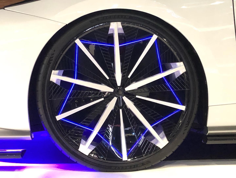 Toyota-Ambivalent-RD-Prius-PHV-Concept-7