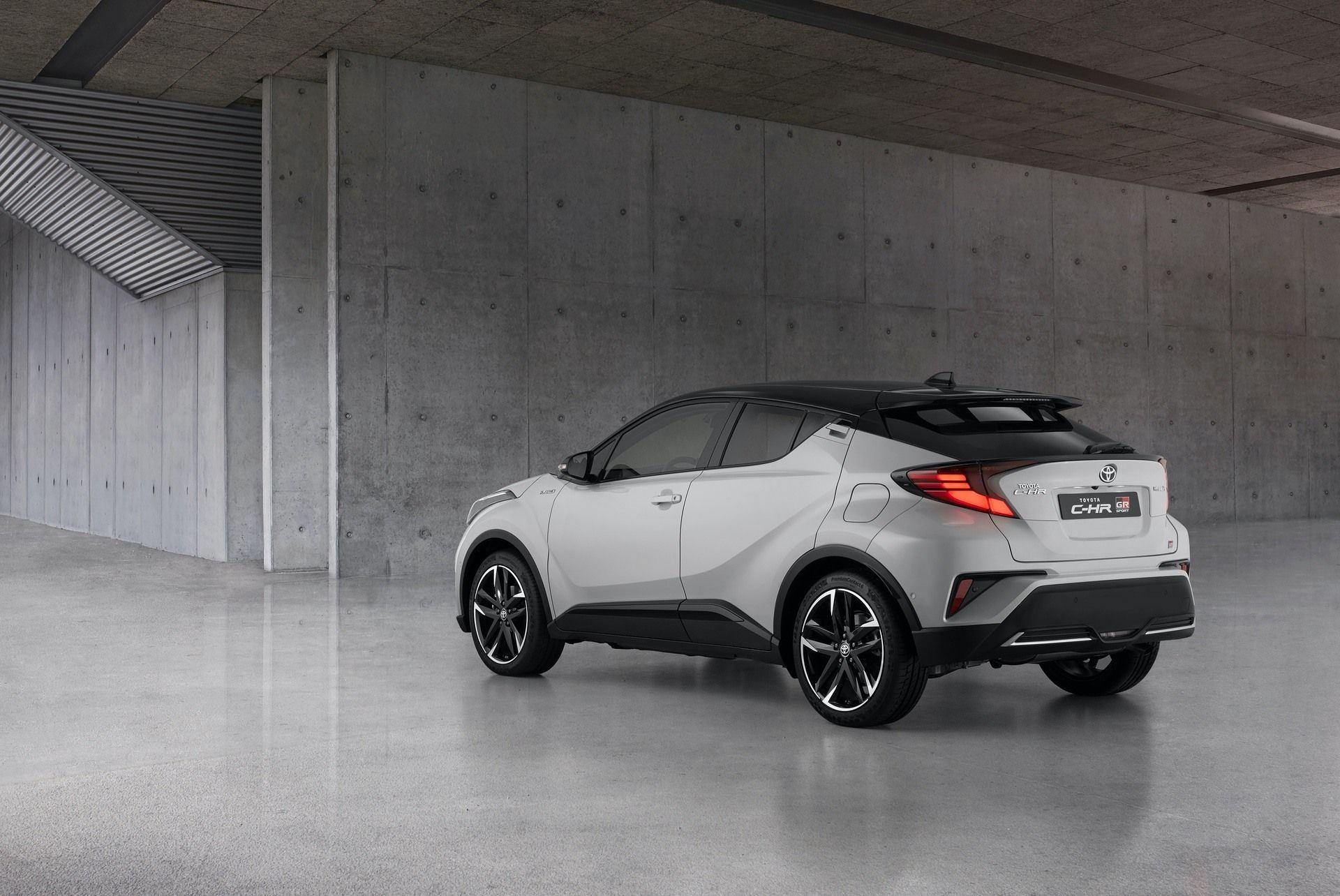 Toyota_C-HR_GR_Sport_0001