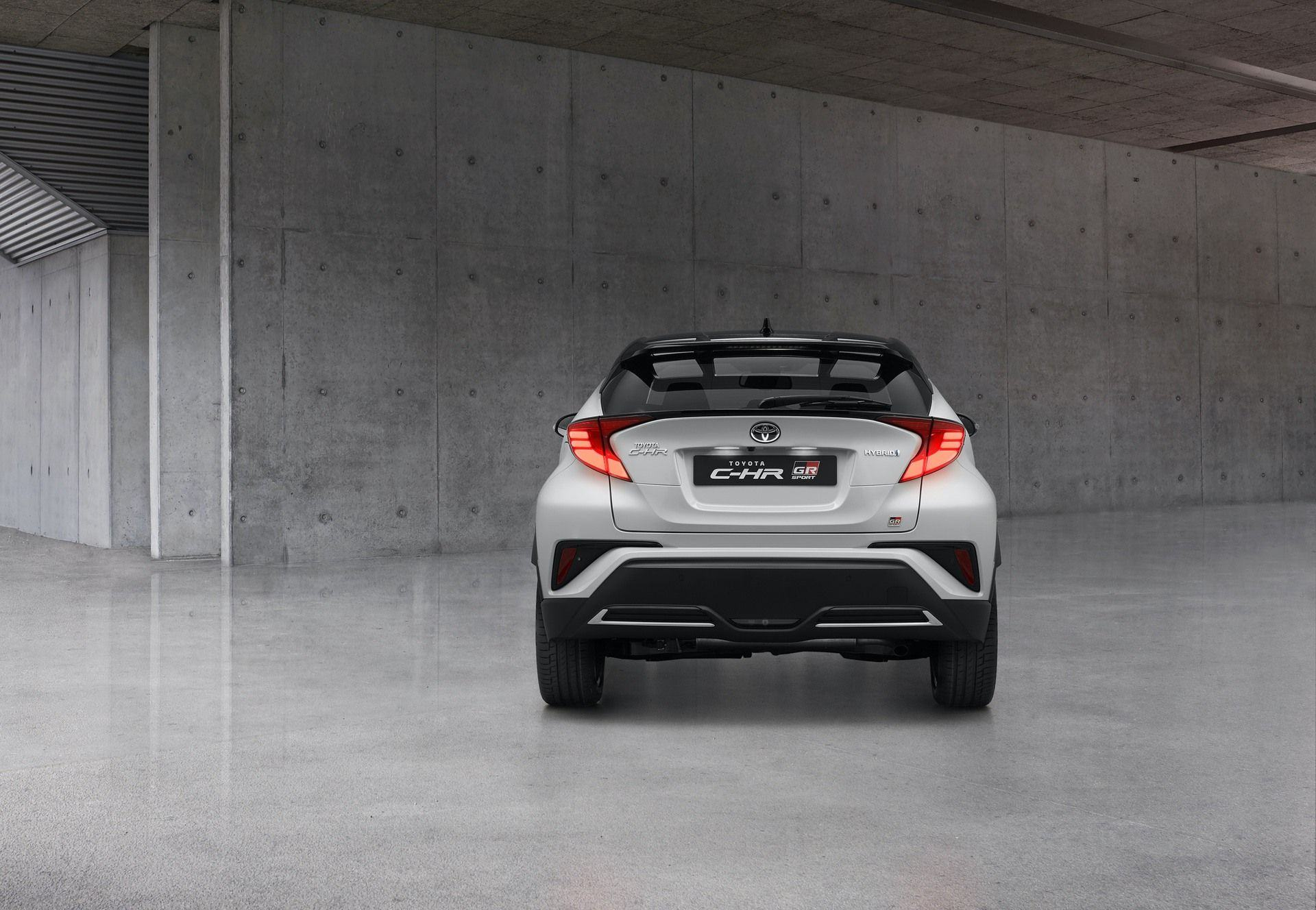 Toyota_C-HR_GR_Sport_0002
