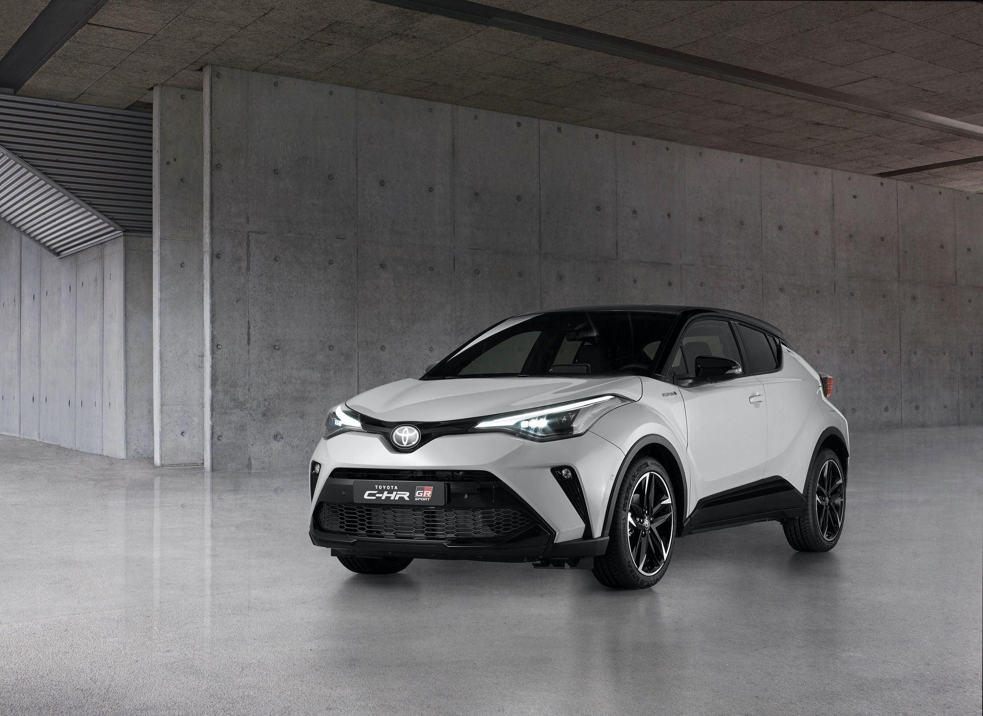 Toyota_C-HR_GR_Sport_0003