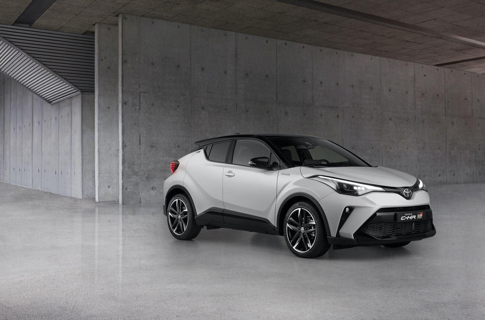 Toyota_C-HR_GR_Sport_0004