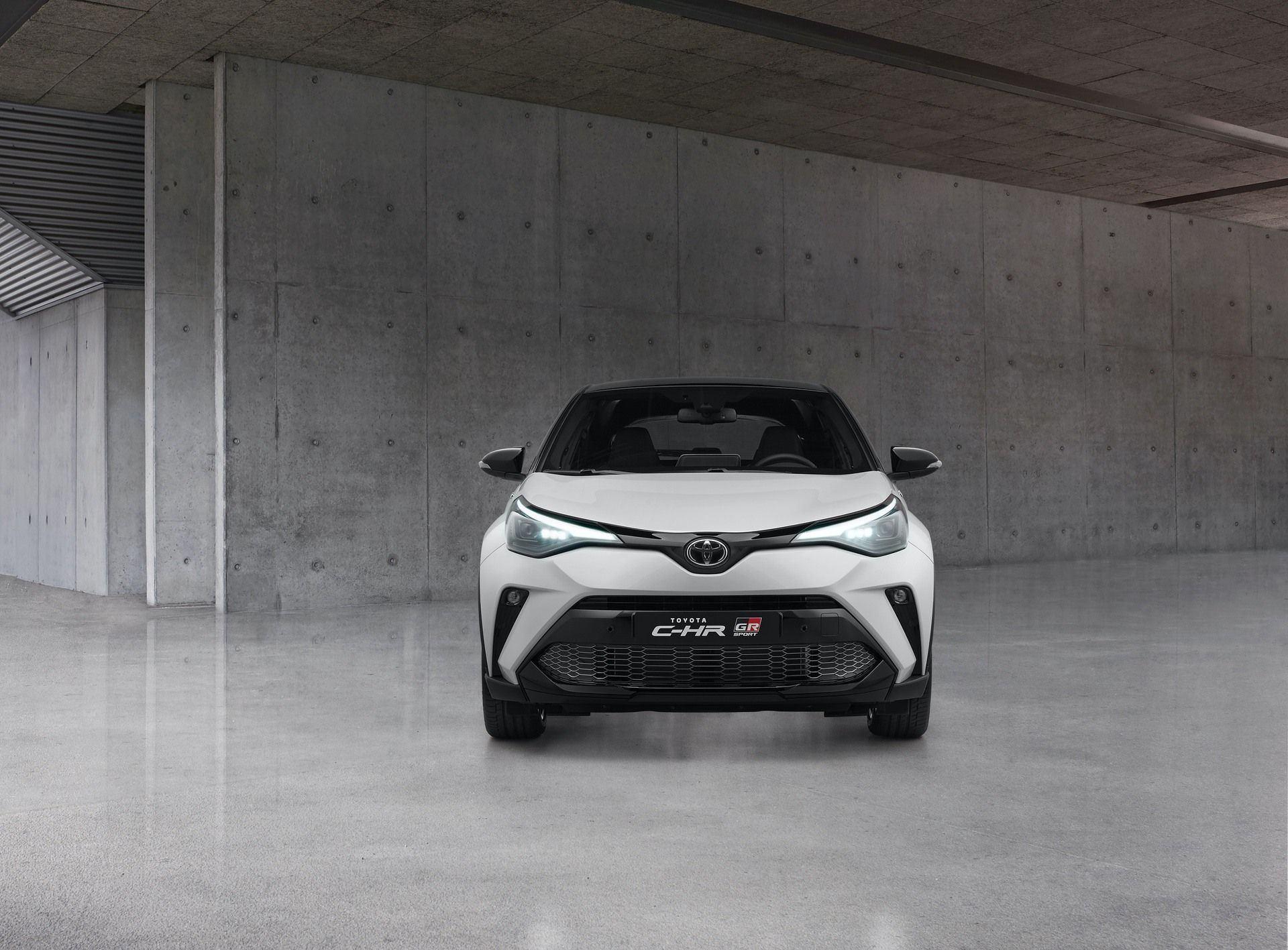 Toyota_C-HR_GR_Sport_0005