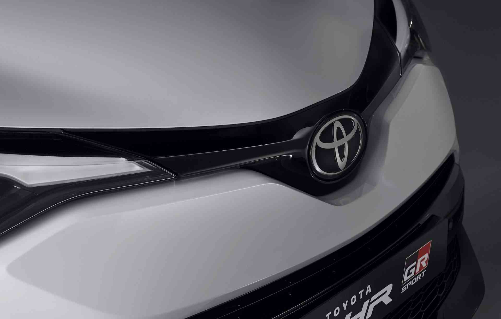 Toyota_C-HR_GR_Sport_0009