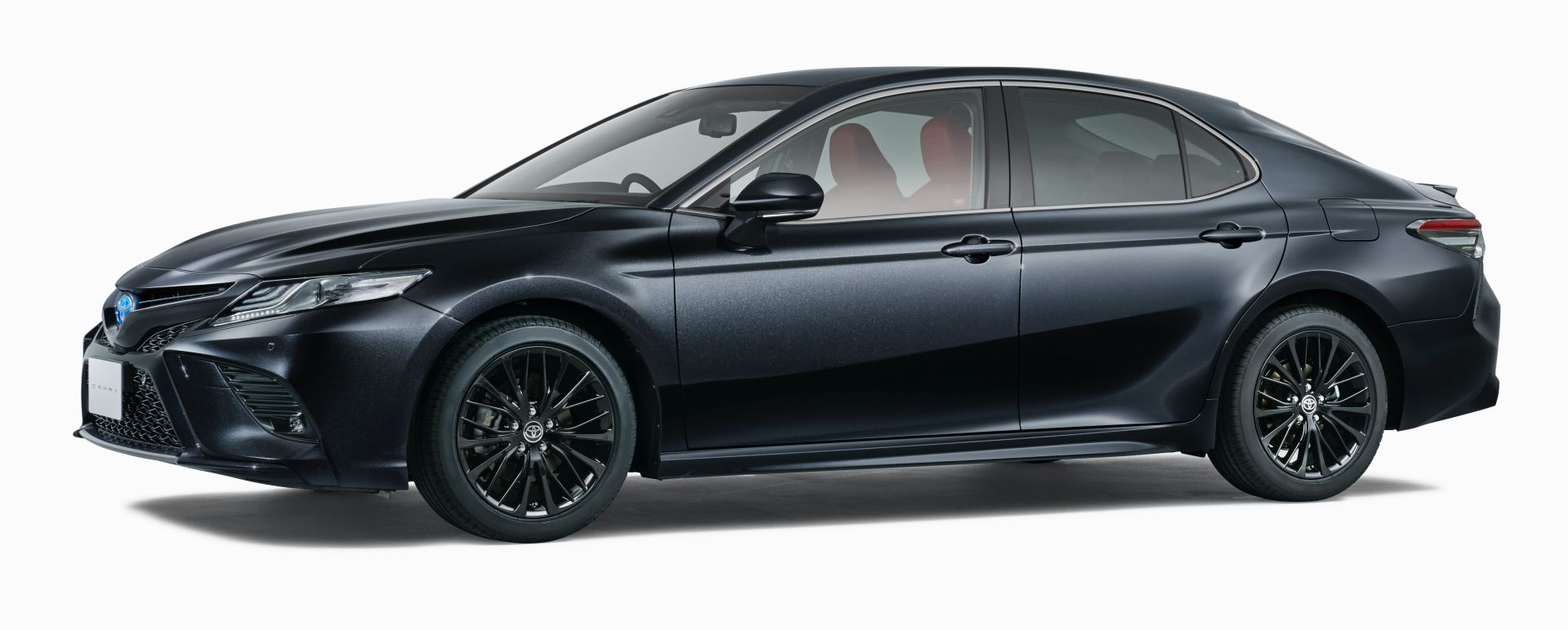 Toyota_Camry_Black_Edition_0001