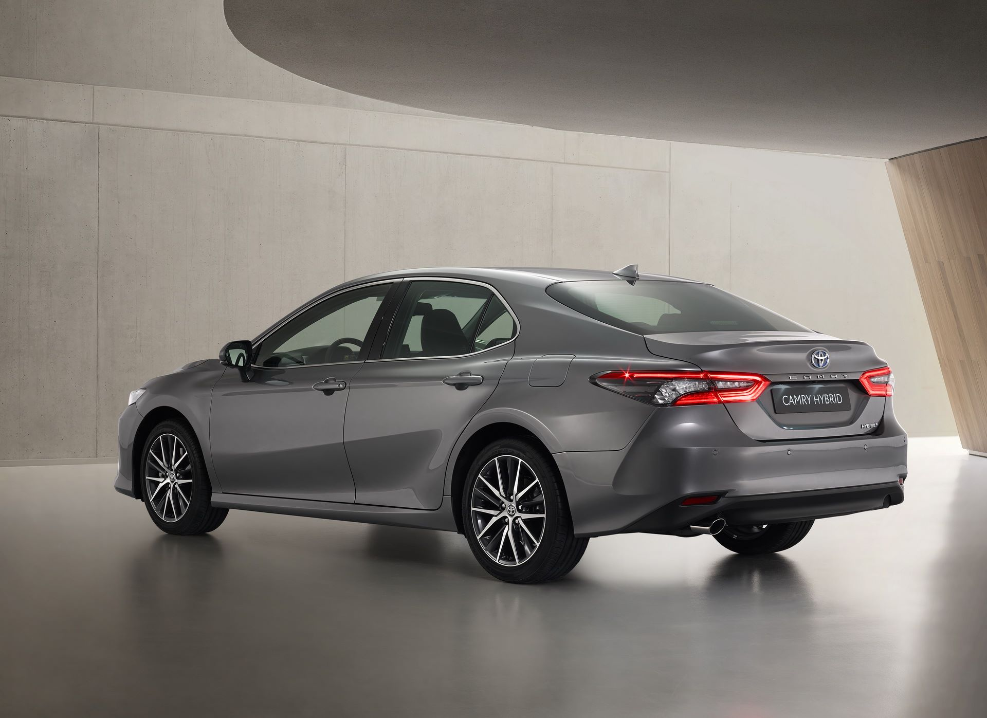 Toyota-Camry-facelift-2021-2
