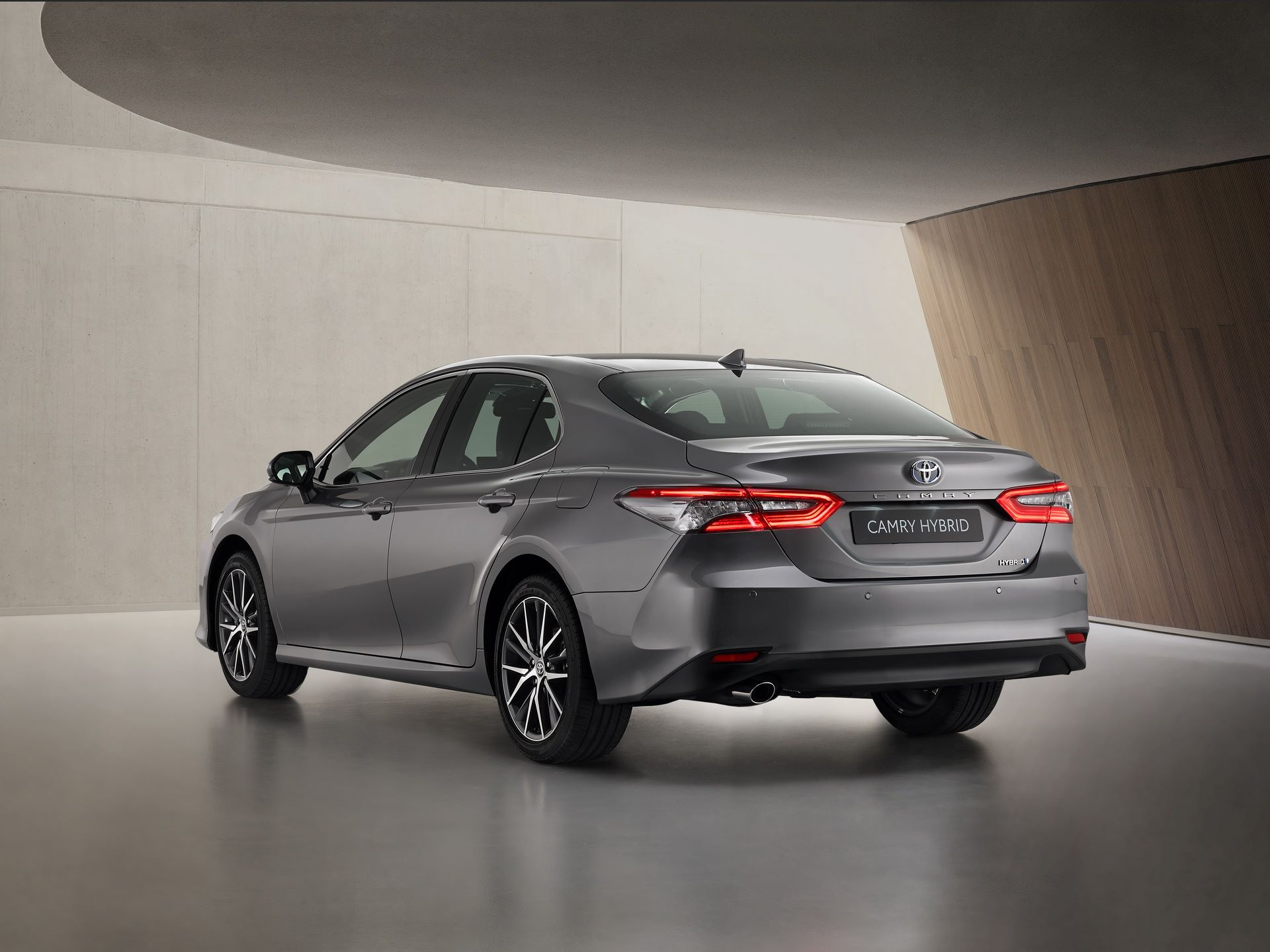 Toyota-Camry-facelift-2021-4