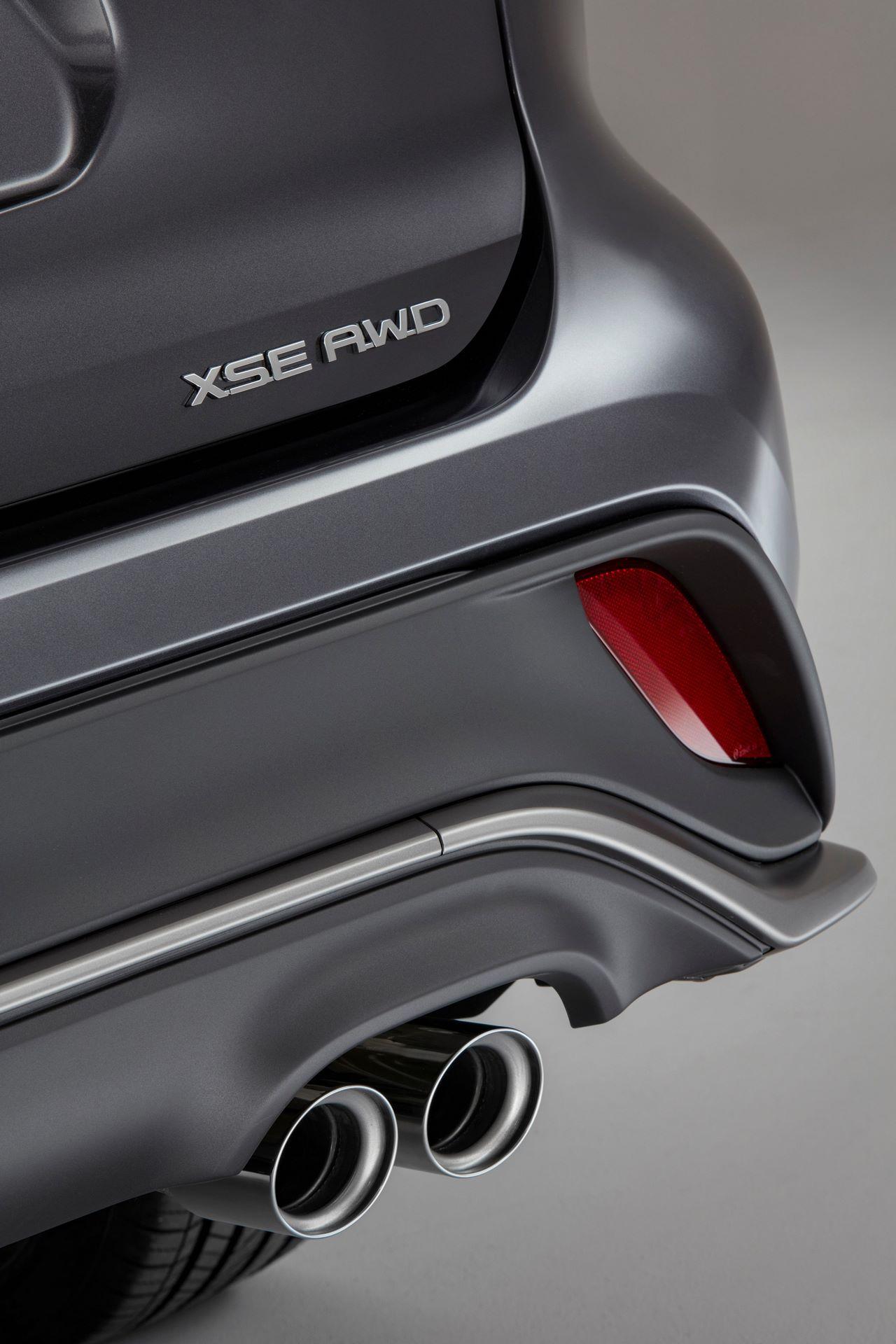 2021-Toyota-Highlander-XSE-13