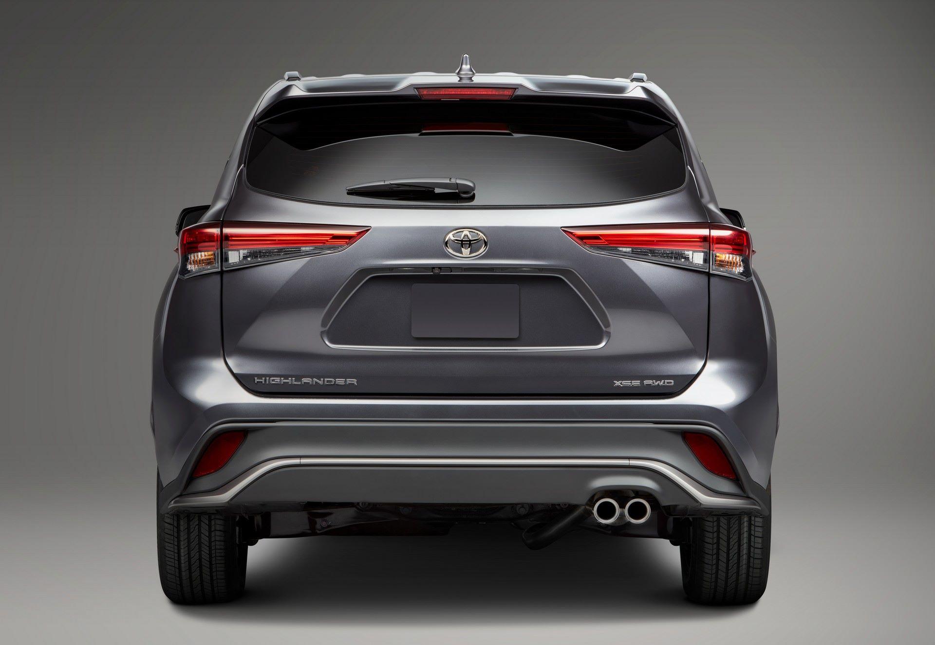 2021-Toyota-Highlander-XSE-14