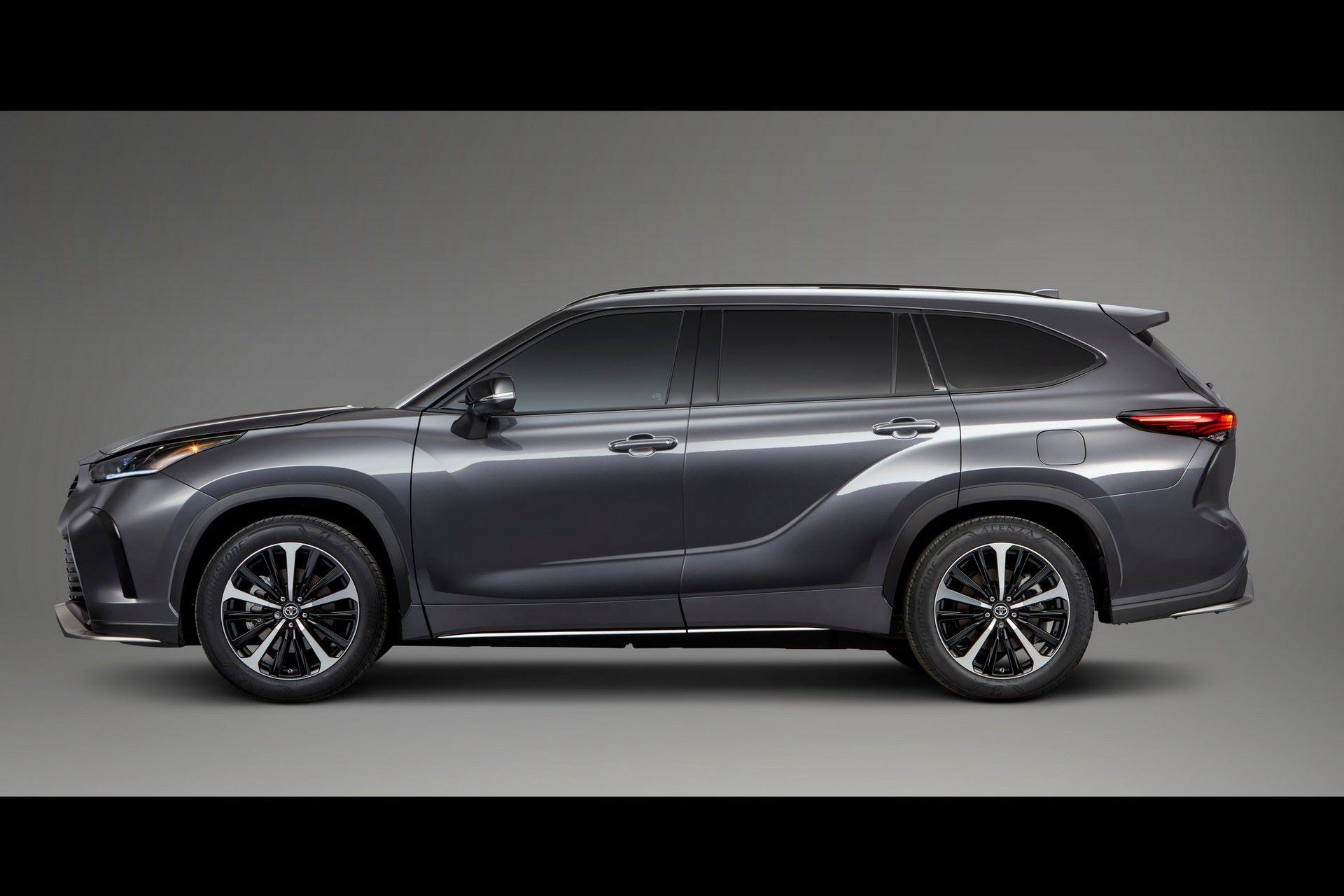 2021-Toyota-Highlander-XSE-5
