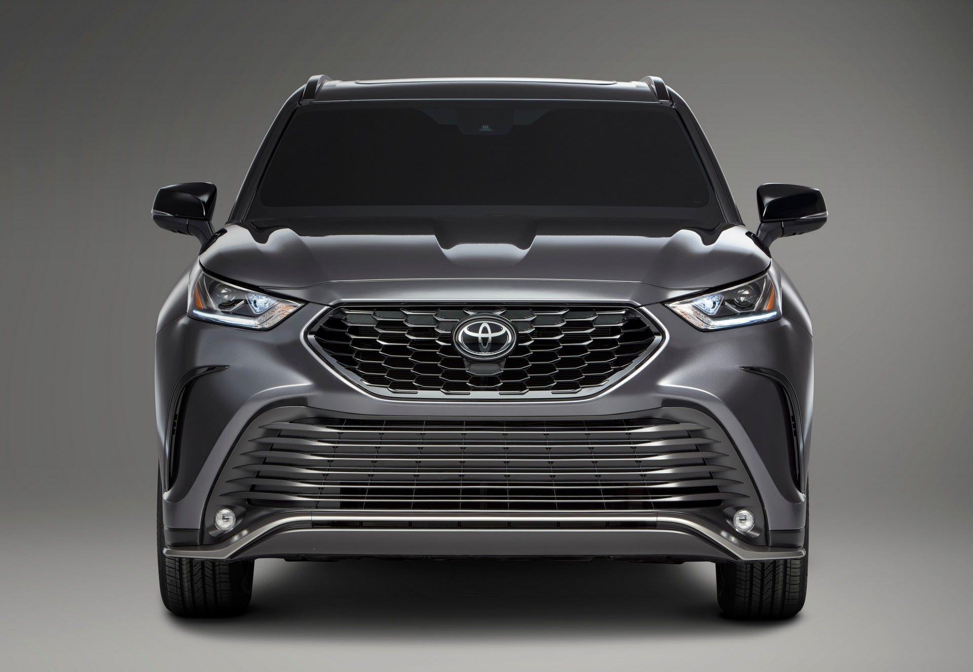 2021-Toyota-Highlander-XSE-6