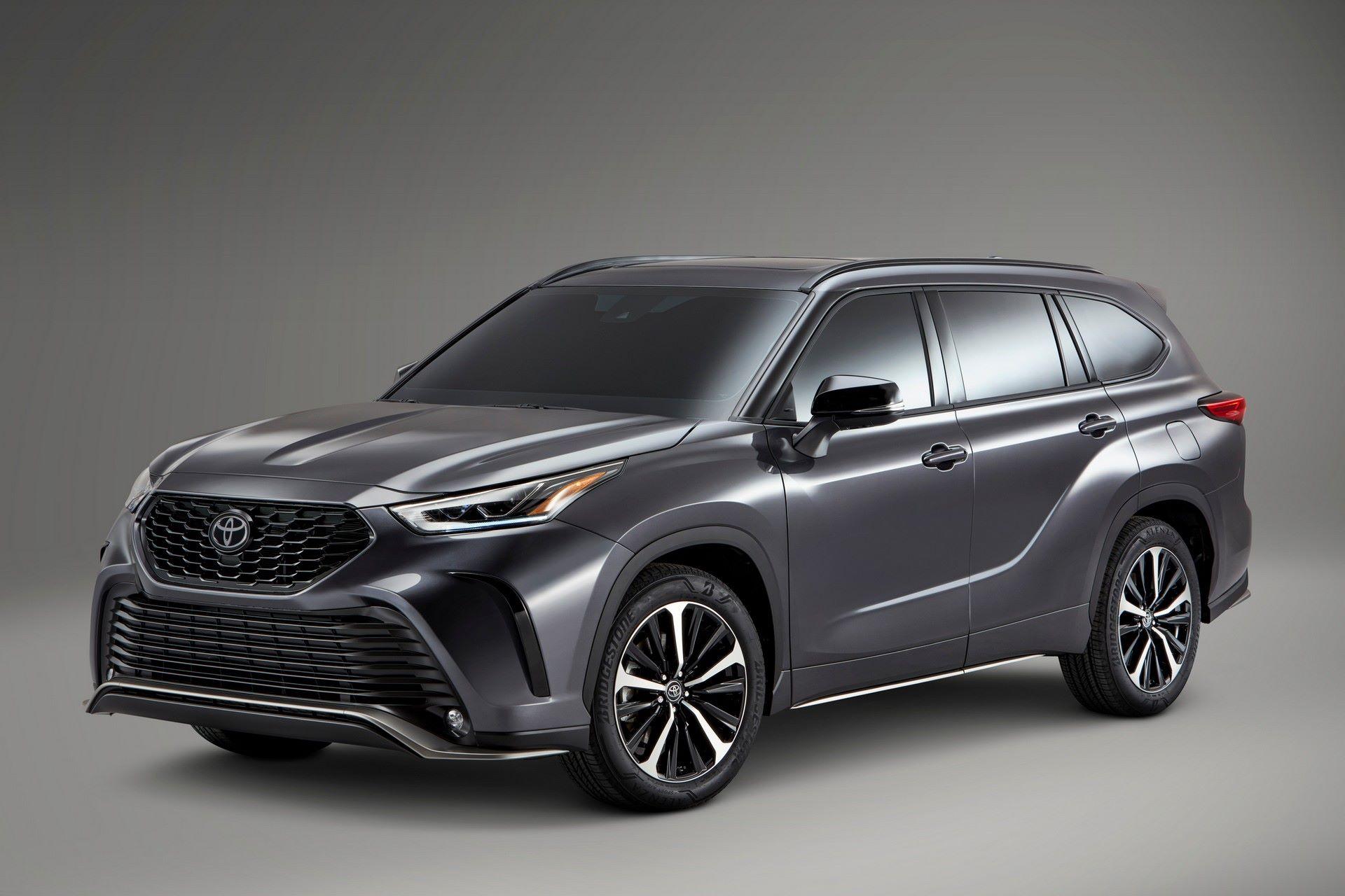 2021-Toyota-Highlander-XSE-7