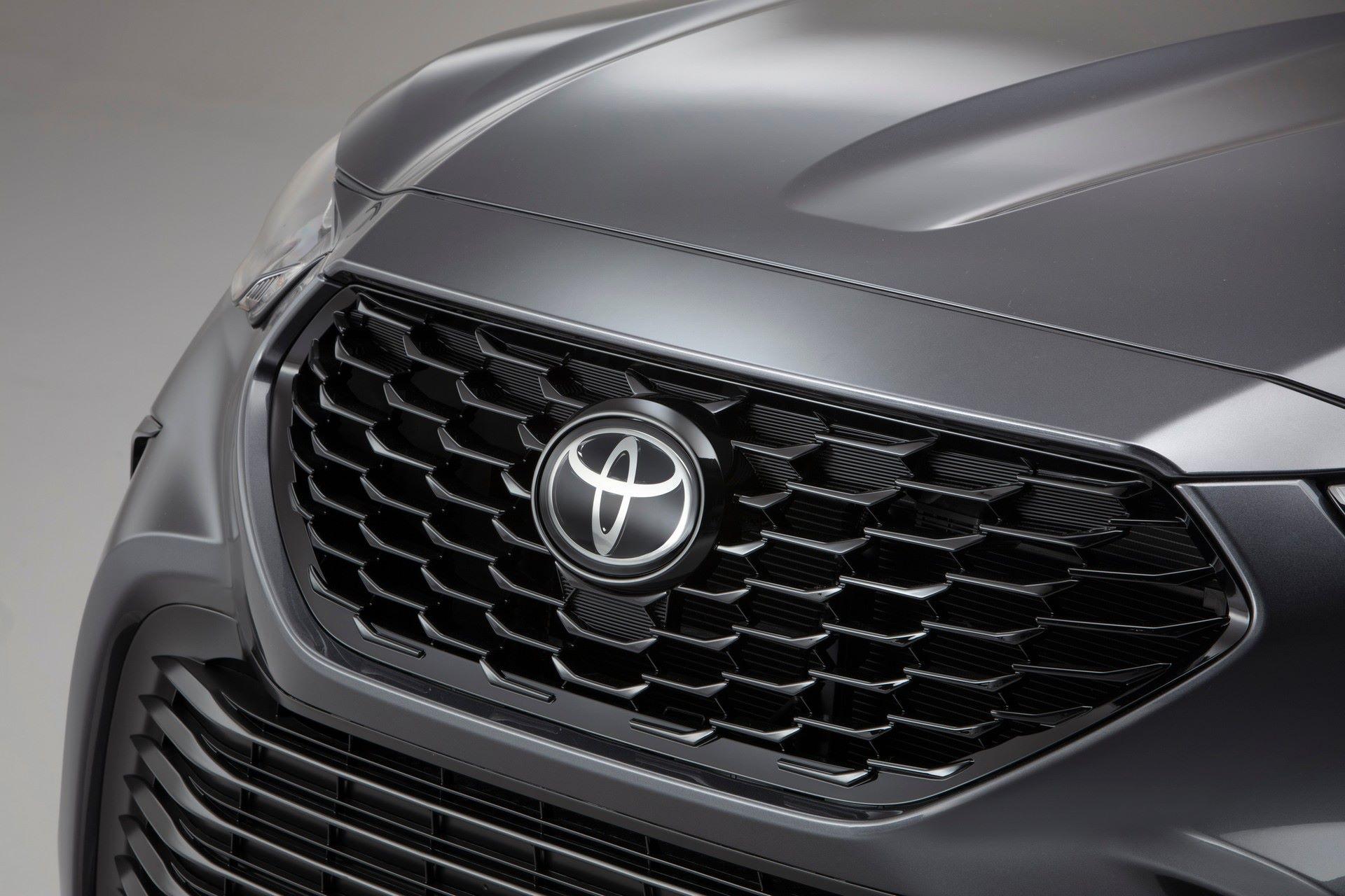 2021-Toyota-Highlander-XSE-9