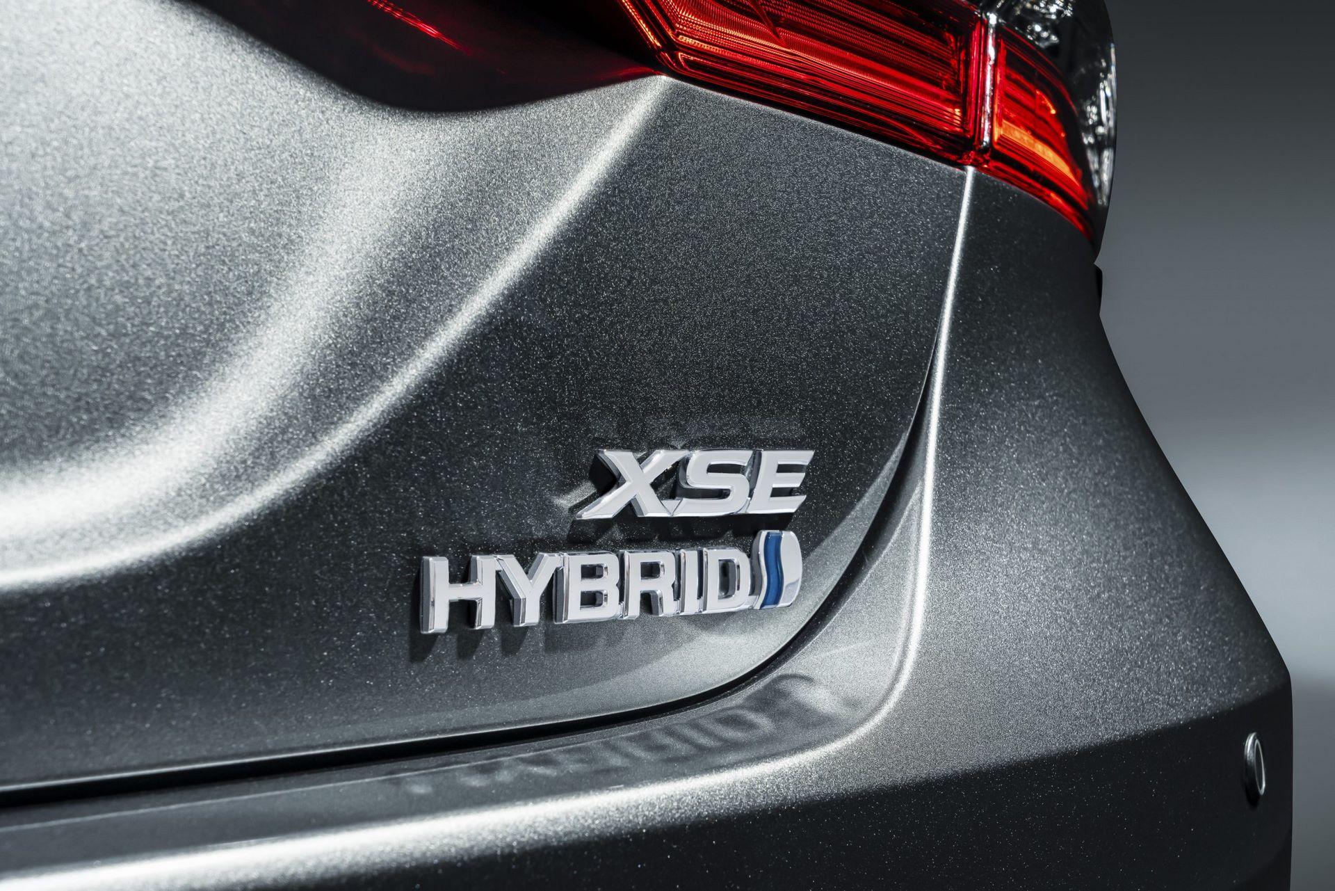 MY21_Camry_XSE_Hybrid_006-scaled