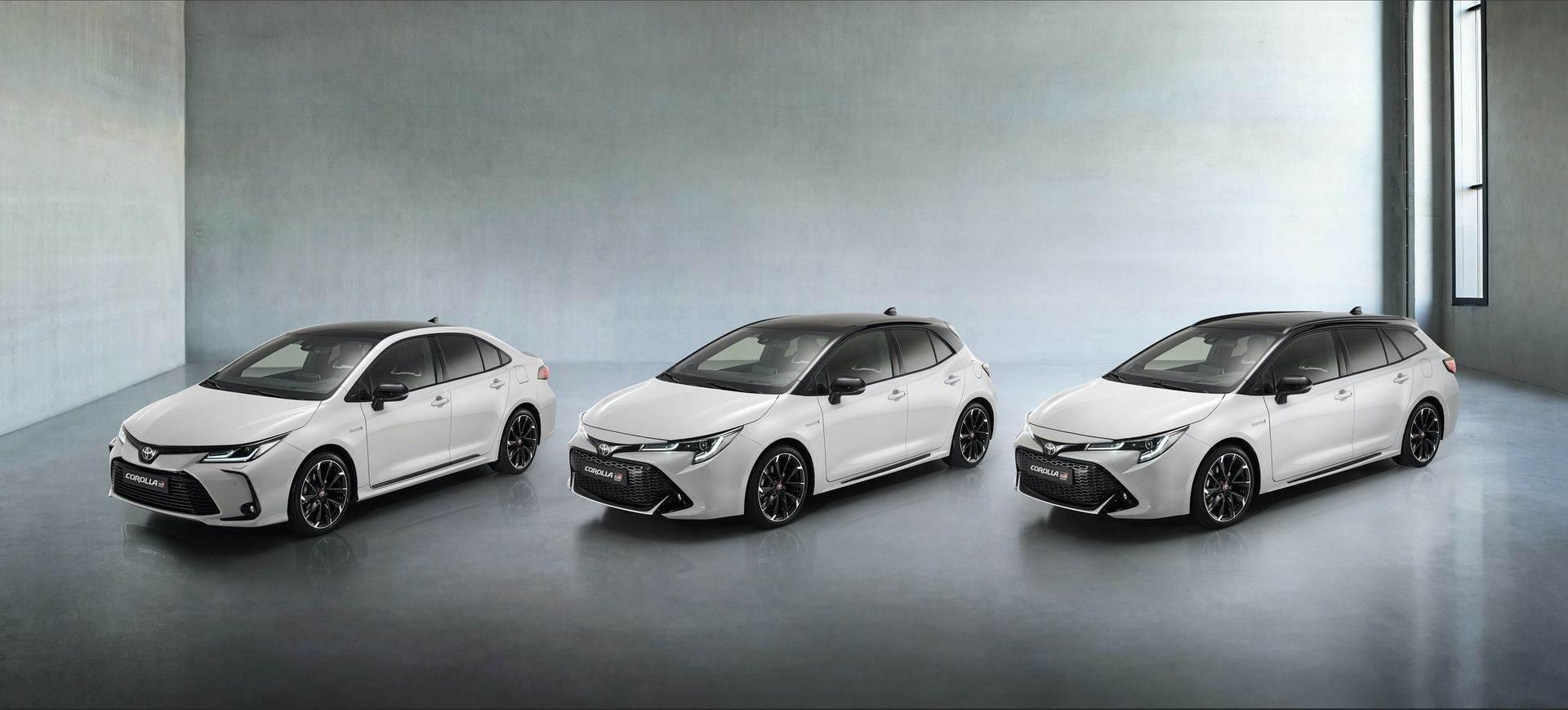 Toyota_Corolla_Sedan_GR_Sport_0000