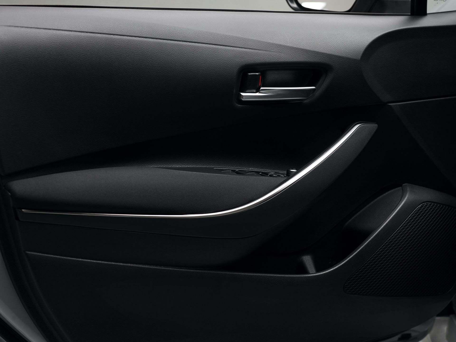 Toyota_Corolla_Sedan_GR_Sport_0003
