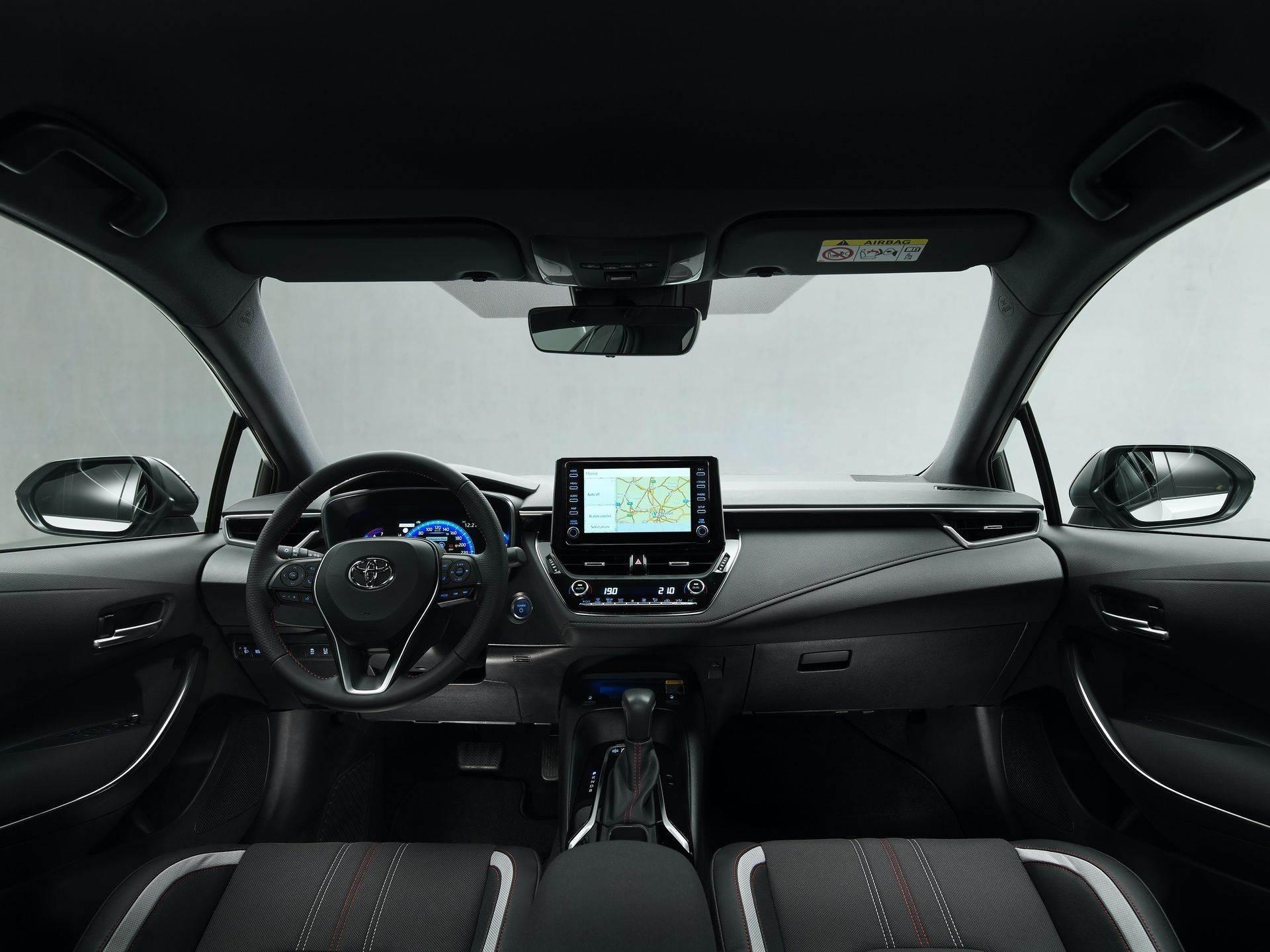 Toyota_Corolla_Sedan_GR_Sport_0006