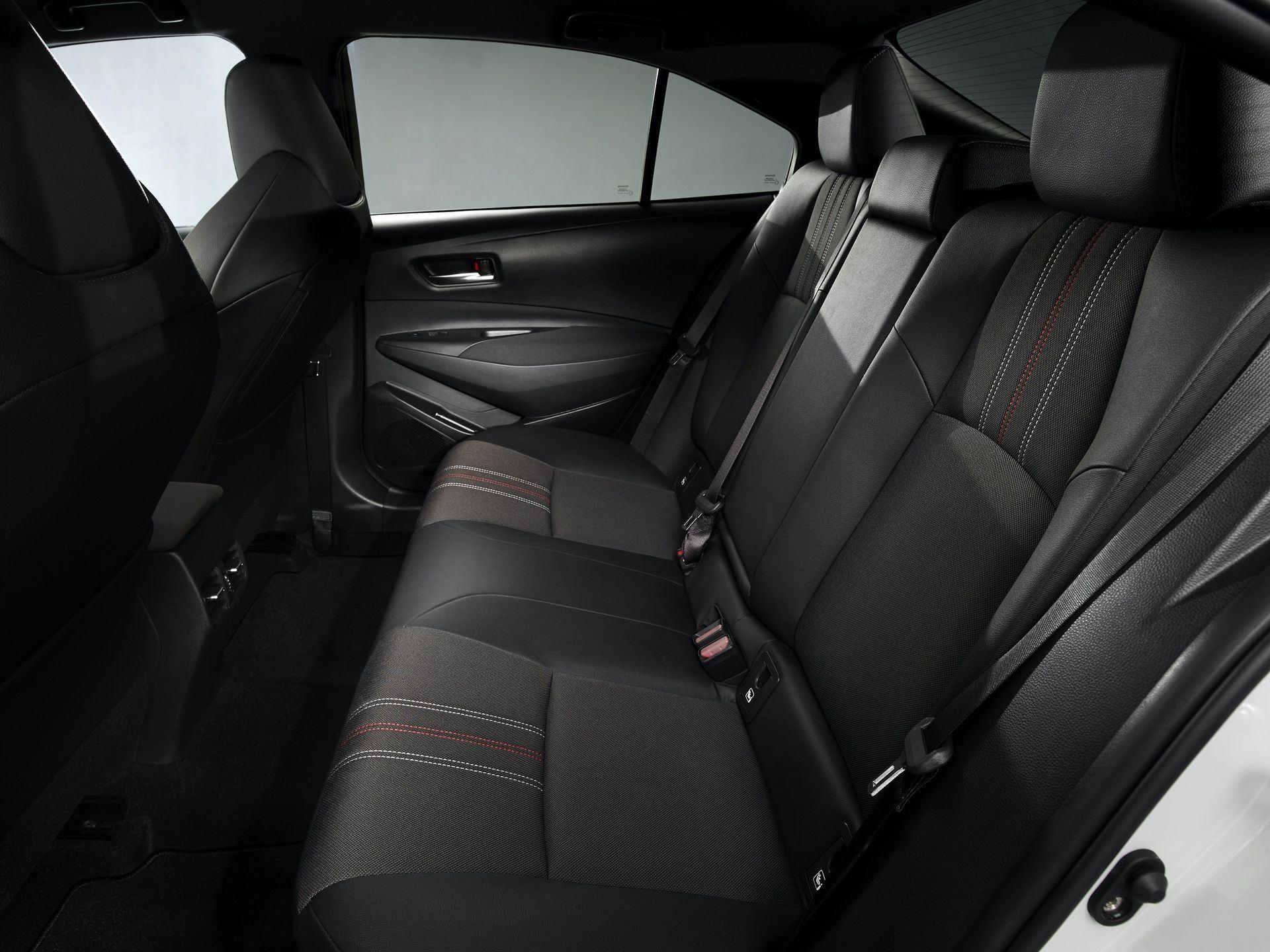 Toyota_Corolla_Sedan_GR_Sport_0008